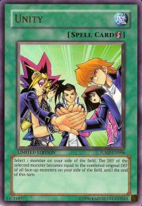 Myös Yuugin muut ystävät ovat päässeet mukaan keräilykorttiin. Päänelikon lisäksi mukana on Yuugin luokkatoveri Ryuuji Otogi (toinen vasemmalla).
